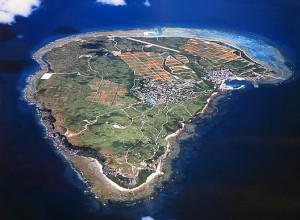 島の写真-粟国島全体像